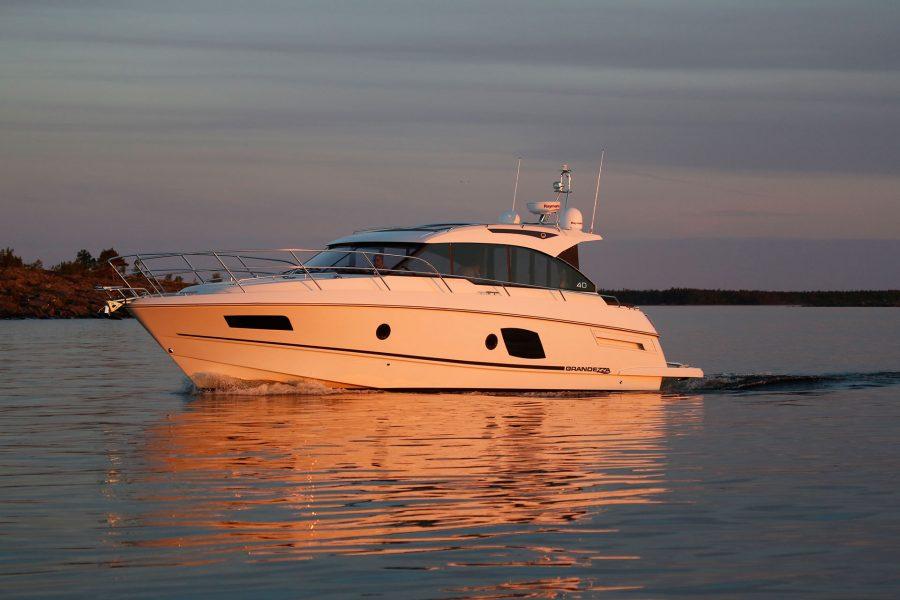 inshore yachts grandezza 40 CA golfe juan cote d'azur