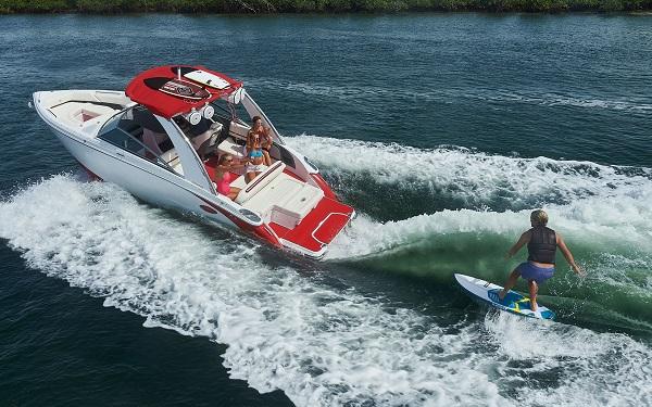 inshore yachts cobalt boat R5 WSS Surf golfe juan côte d'azur