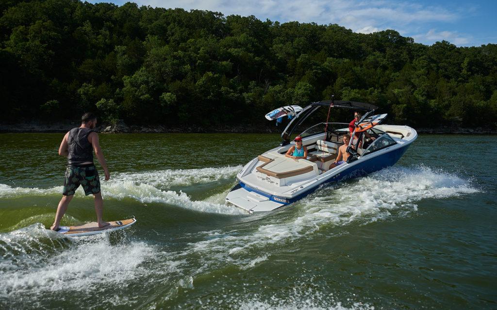 inshore yachts cobalt boat CS23 Surf golfe juan côte d'azur